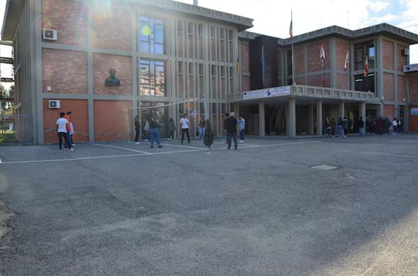 foto_istituto_ite_calabretta.jpg